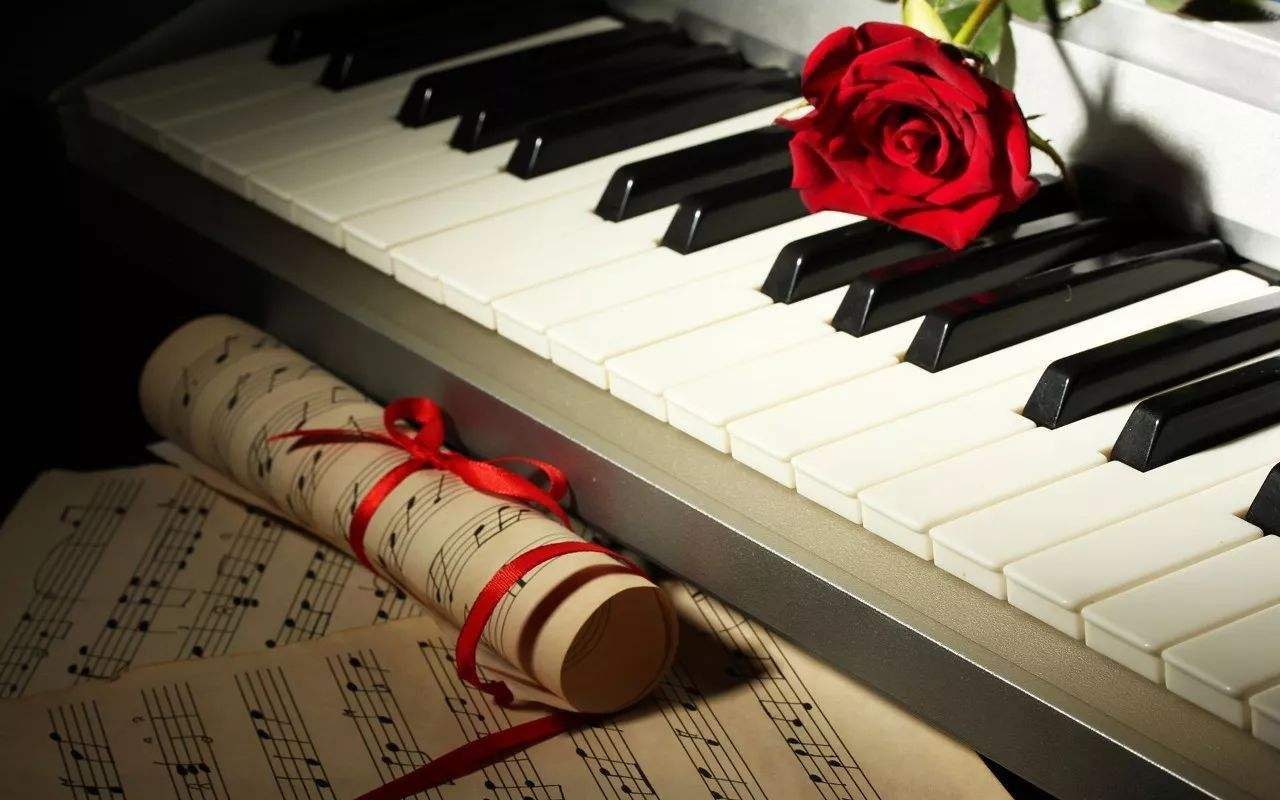 「上海旧钢琴收购」二手钢琴能买吗?揭秘二手钢琴与全新钢琴的区别!